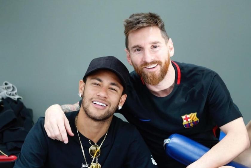 Neymar könnyek közt mesélt Messiről 9ab41c43d8